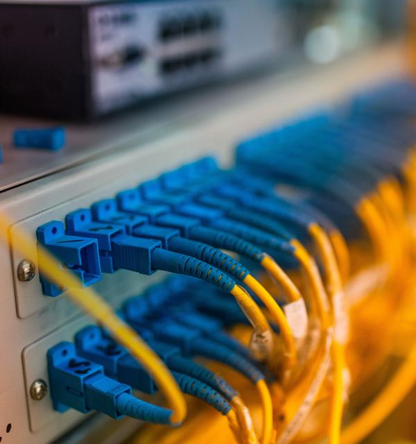 Router connectors